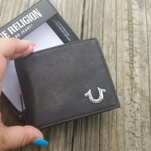 Mens True RELIGION Leather Wallet with Gift Box